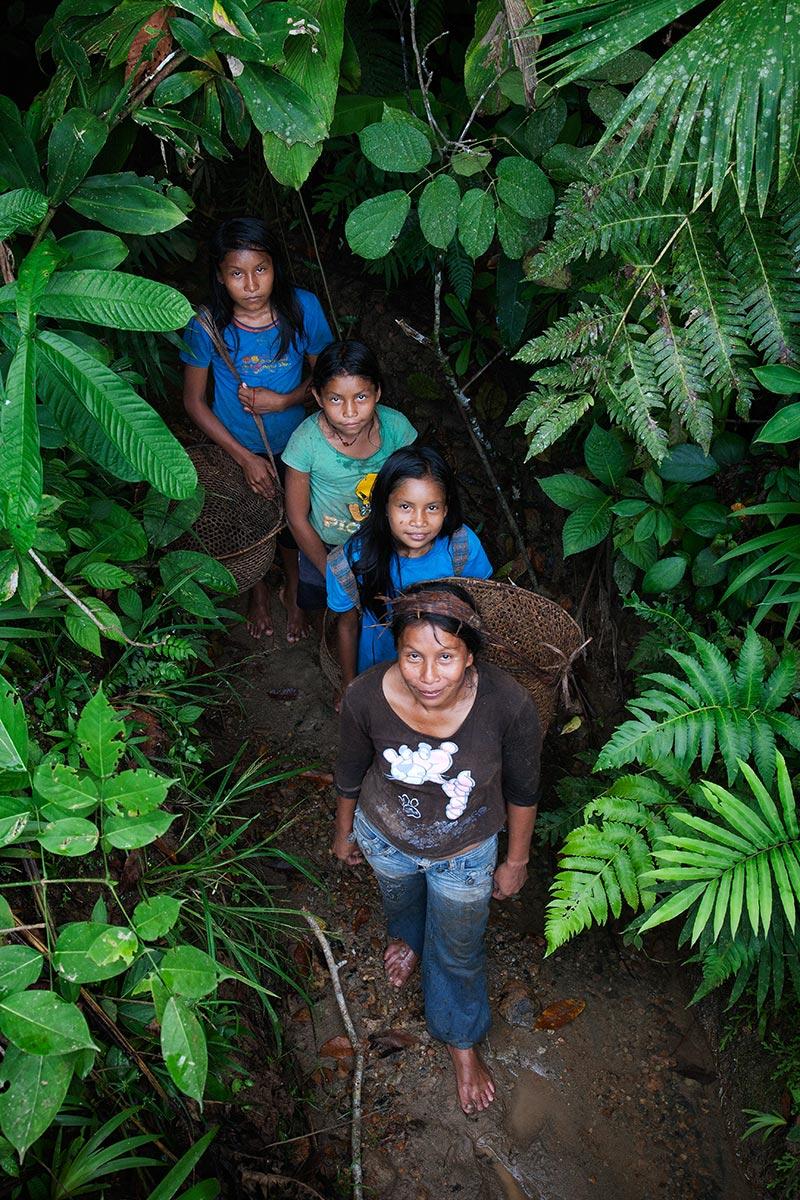 아마존 와다니부족 아이들