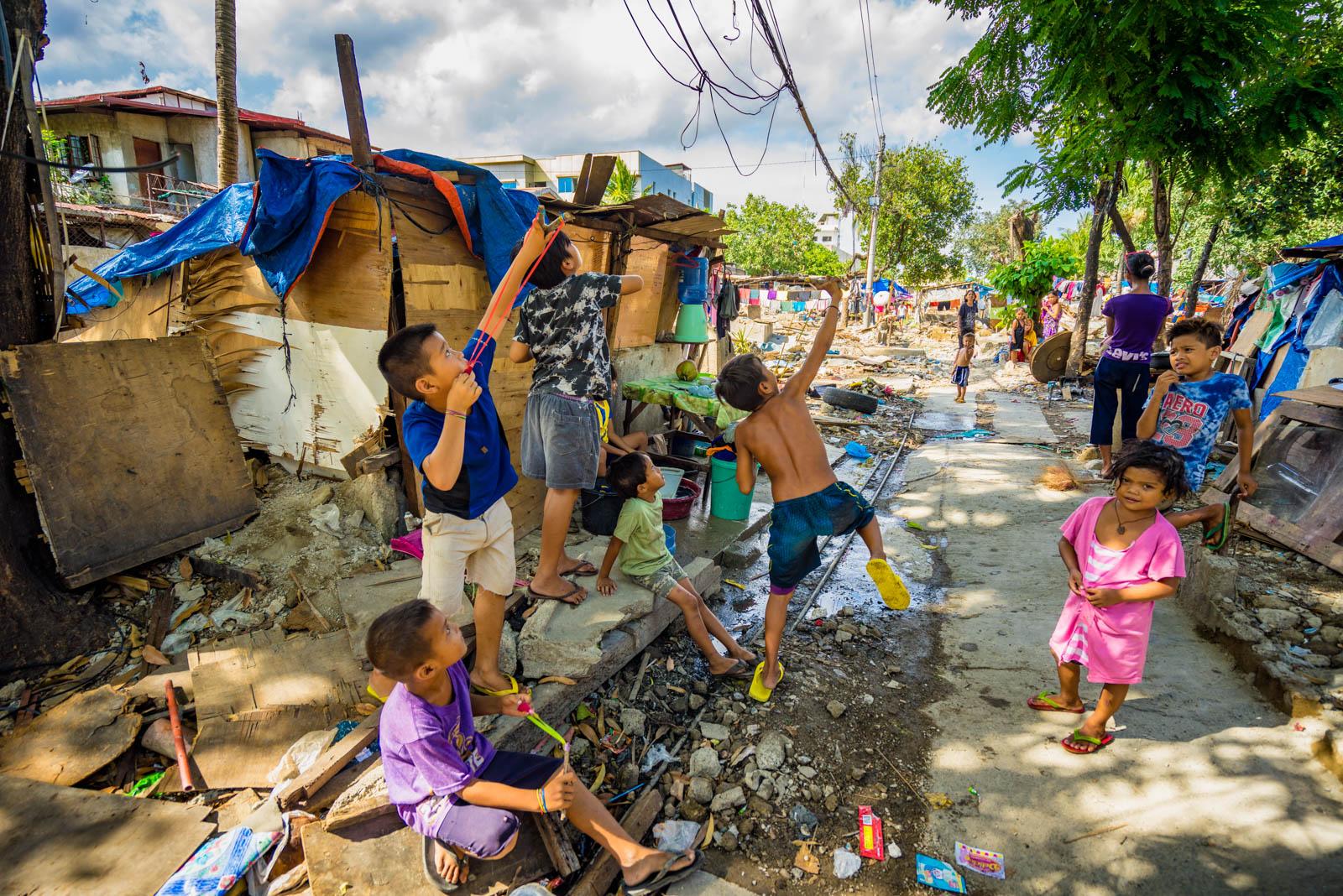 철거민촌의 아이들